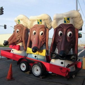 Doggie Diner Dogheads-305x225